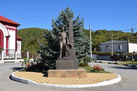 Памятник войнам